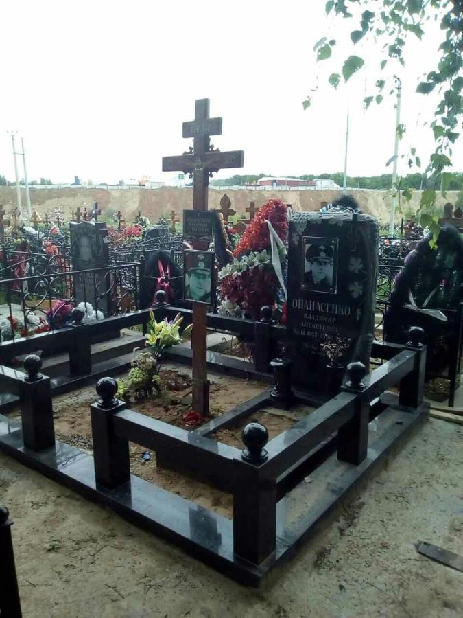 Горкинское кладбище памятники памятники от производителя цены двойные